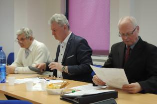 Zľava: Ing. Gazdík, hospodár; Mgr. Schmidt, moderátor VČS a Ing. Lužák, predseda
